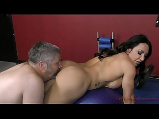 The muscle queen brandi mae trains a bitch to worship her femdom
