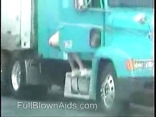 Trucker girl pissing