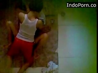 Spycam neightboor wearing jilbab having Sex on the floor indo scandal