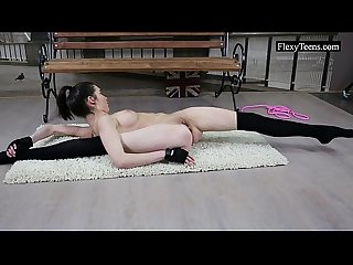 Flexible ariella shows incredible nude gymnastics