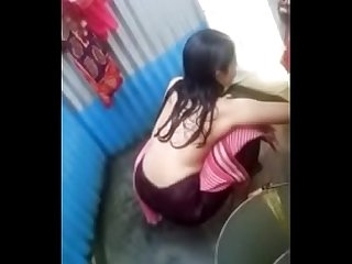 Desi village girl nude bath by hidden cam