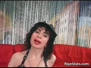 Kinky brunette milf sucks penis and gets