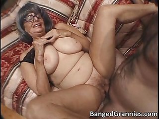 Slutty horny old woman gets moist cunt