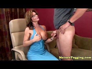 Bigtit spex cougar tugging hard cock