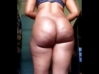Hot black Nigerian babe Gets horny