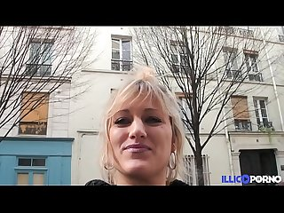 Bonne milf blonde gangbang devant son mari pour noe l full video