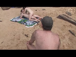 Australian amateurs have sex on public beach