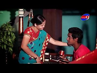 Mahi Aunty tempting to young boy in her house youtube Mp4
