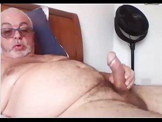 Velho Punheteiro exibe seu pau Na cam