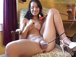 Amateur hot brunette playing and pumping her pussy 1 mp4