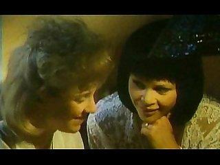 Melanie moore and krystyna ferentz