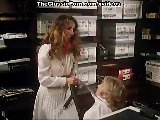 Annette Haven, Lisa De Leeuw, Veronica Hart in vintage porn video