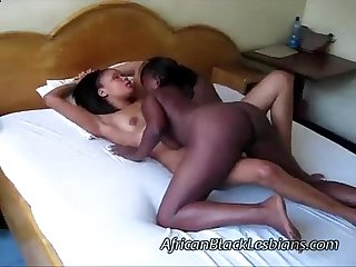 African babe with stunning ass fucks gorgeous black gf13aisha lisha bedroom2 1 1 sexcam888 com1