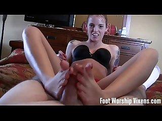 Ebony Ayanna worships a sexy schoolgirl's feet