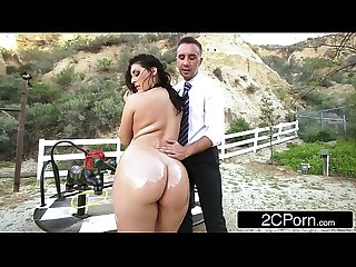 Big ass school girl gracie glam gives straner a nice sloppy deepthroat blowjob