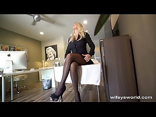 Wifey swallows her doctor s cum
