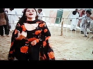 Desi pakistani shemales dance and show boobs