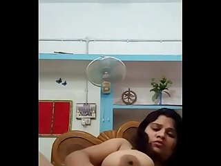 Horny desi bhabhi naked show and fingering with moans