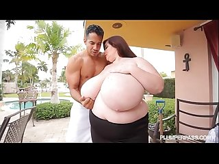 38P BBW Lexxxi Luxe Sucks N Fucks Gardner by the Pool