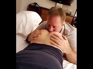 Papi Chupando Cu de filhao