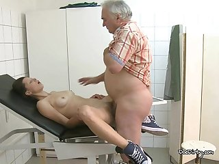 Hot cum for the hot patient