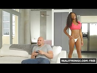 Realitykings round and brown pay attention to me