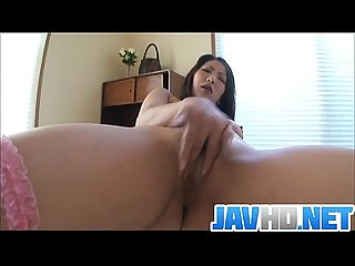 Gorgeous saya rubs her soaked pussy to an orgasm