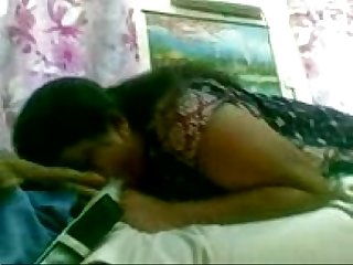 Mallu housewife vidya sucking