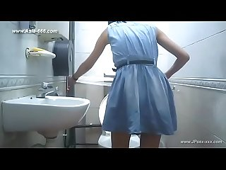 Peeping Taiwan girls go to toilet