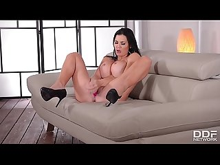 Next level temptress jasmine jae bangs her pussy extra hard