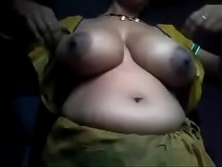 aunty showing her boobs