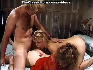 Hot threesome simultaneous orgasm