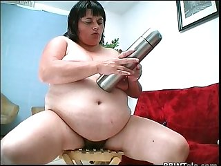 Crazy fat slut trying to insert