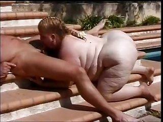 Ssbbw girl sucking outside