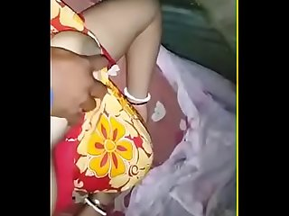 Shy Desi wife hot body exposed