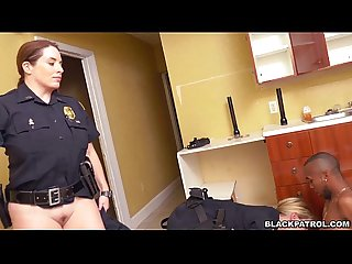 Cops suck Black Dick after arrest