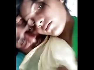 Desi cute lover kissing video