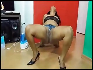 Desi sexy Aunty webcam and dance show