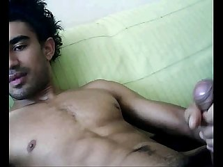 Moreno punhetando na webcam mx madame xaninha