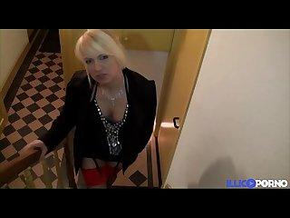 Bukkake les fantasmes D une riche en manque de sexe full video