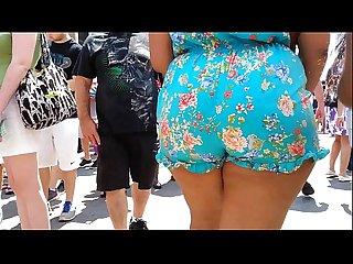 Sbbw in shorts jiggle ass booty