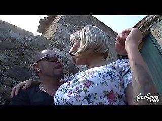 Espagnole gros seins se fait baiser en extrieur