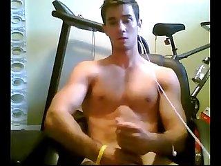 Muscle boy masturbation in cam