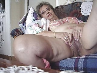 Mature women spreading 6