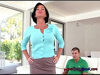 Mrs avluv gets to know the stepdaughters boyfriend