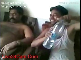 India Hira Mandi group sex with Hindi audio - XVIDEOS.COM (new)