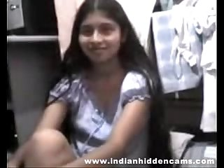 Indian college girl sex stripping for her boyfriend mms