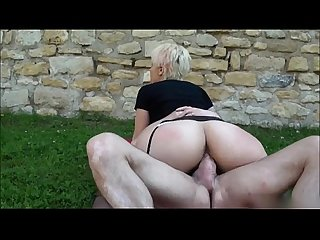 Blonde big booty amateur banged outside