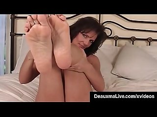 Mature Milf deauxma shows off toes feet soles in bed nude excl
