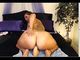 Bbw riding dildo on webcam shessothick com